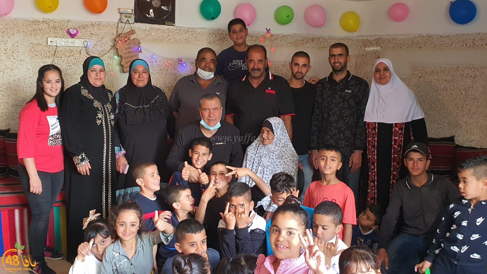 اجتماعيات - الحاجة فاطمة أبو صيام أبو كاشف من اللد تحتفل بعيد ميلادها الـ100