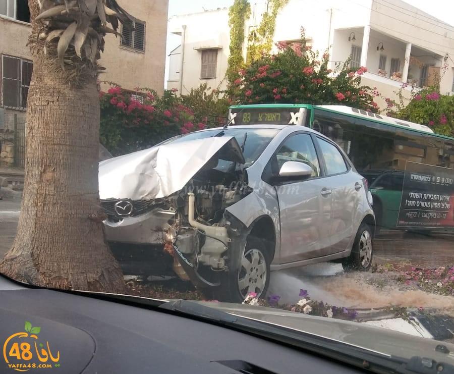 صور: اصابة طفيفة لسيدتين بحادث طرق ذاتي في يافا