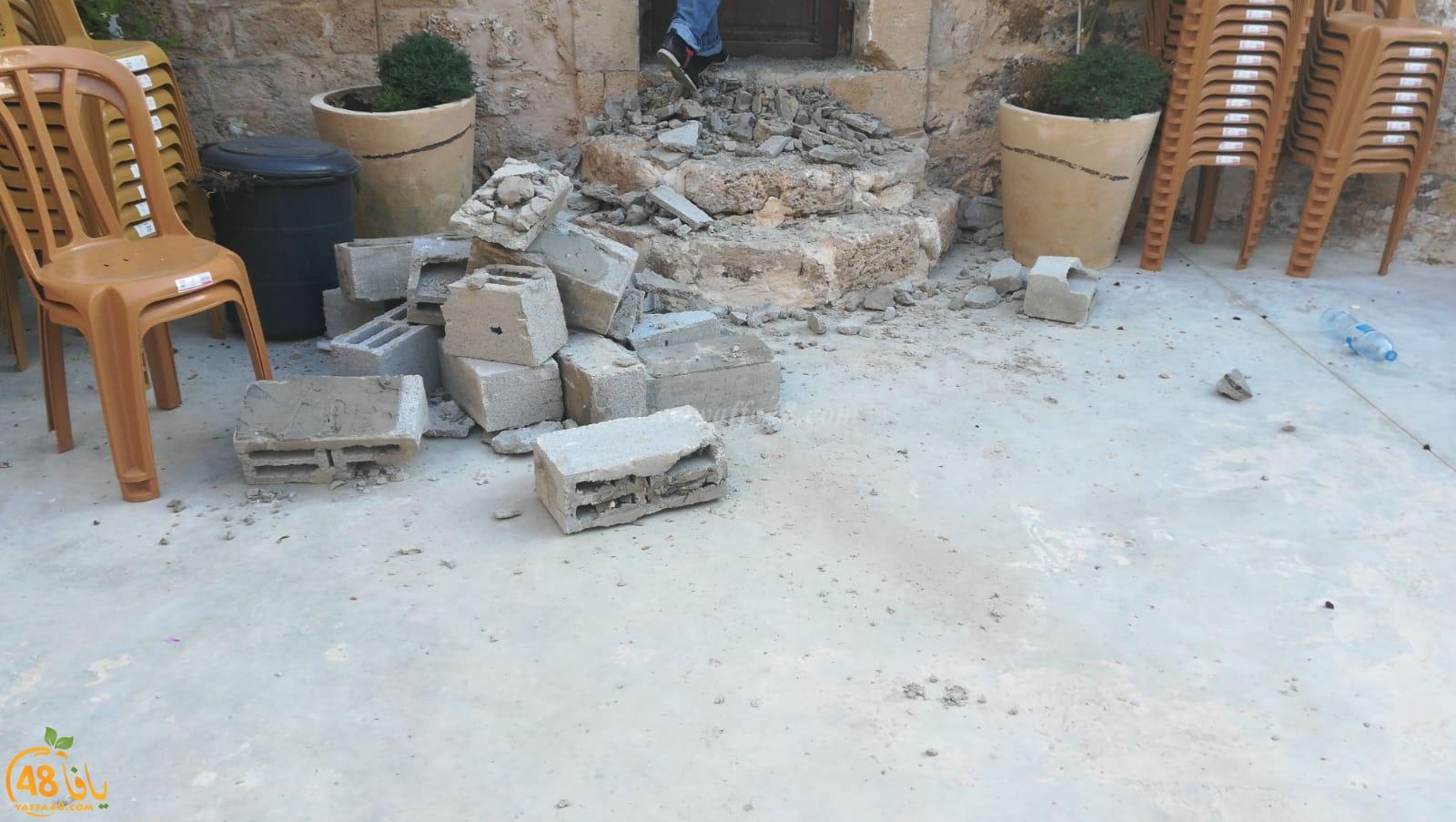 فيديو: إغلاق منافذ مركز الدعوة في يافا بالأسمنت والحجارة