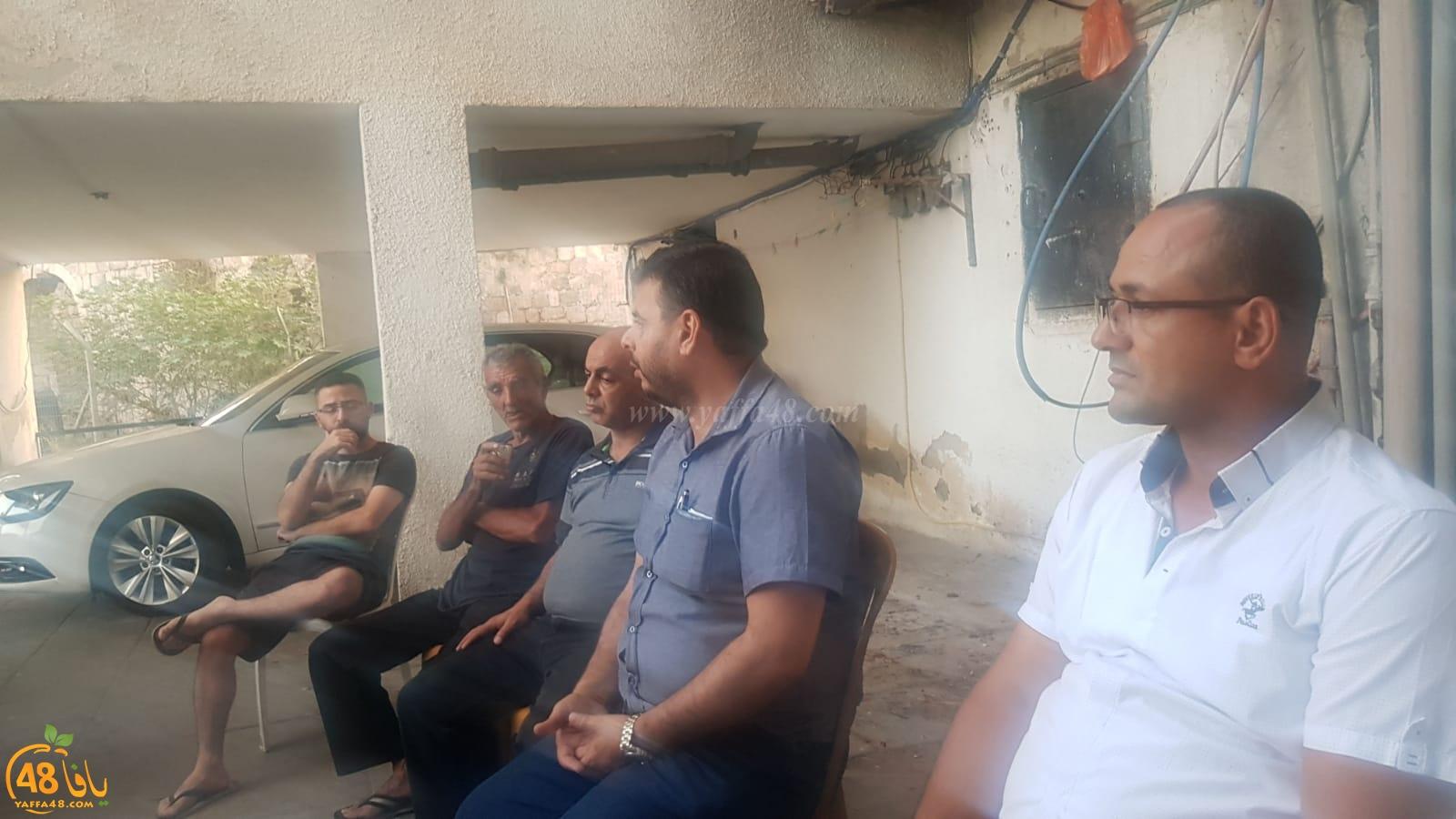 اللد: اجتماع لأعضاء البلدية العرب واللجنة الشعبية مع سكان حي رمات اشكول