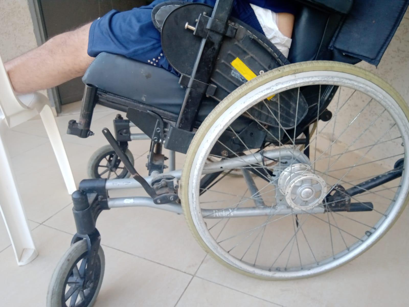 شاهد: حالة انسانية - ساهموا في تخفيف معاناة الشاب المقعد يوسف حامد من اللد