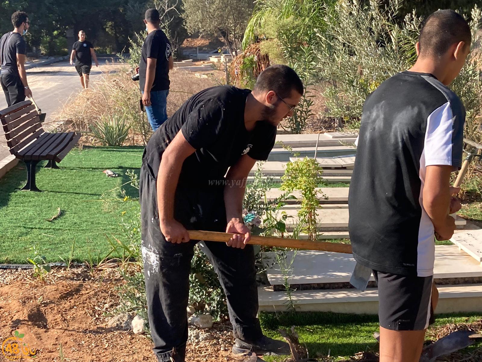 صور: انطلاق معسكر صيانة مقبرة طاسو الإسلاميّة، ودعوات لأوسع مشاركة