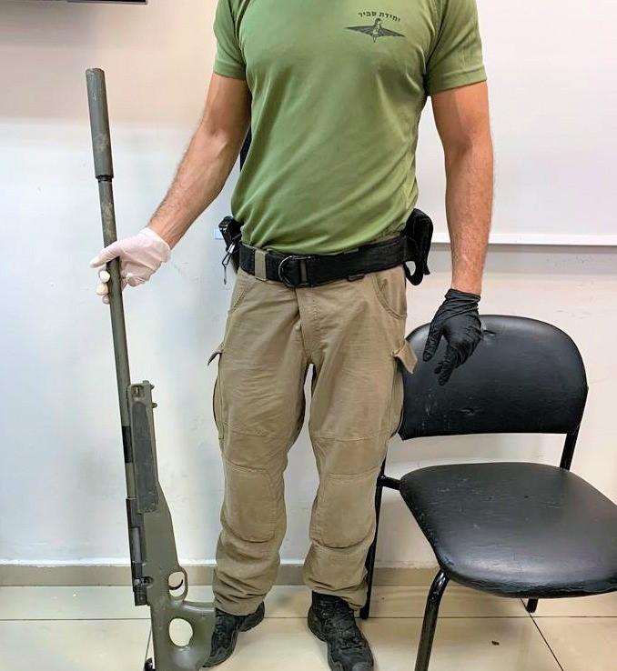 الرملة: ضبط أسلحة قنص وبنادق كارلو واعتقال 3 مشتبهين