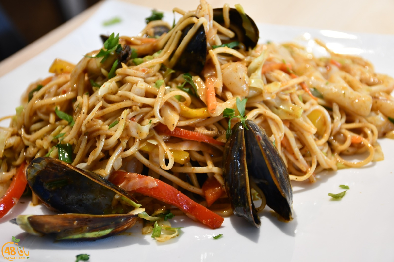 في هذا الطقس - ما الك الا تطلب وجبة بحرية شهيّة من مطعم كلماري بيافا