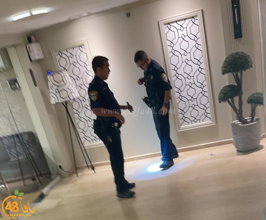 اصابة طفيفة لشابين باطلاق نار داخل قاعة أعراس في بات يام