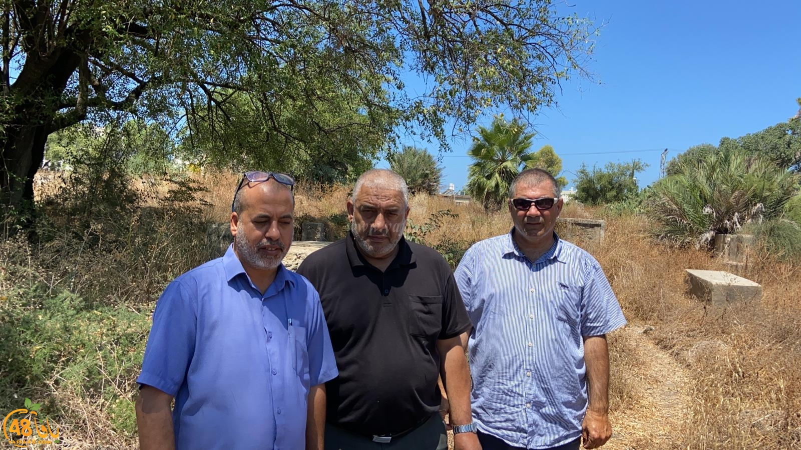 زيارة لمقبرة الشيخ مراد بيافا تمهيداً لاقامة مشروع ترميم فيها