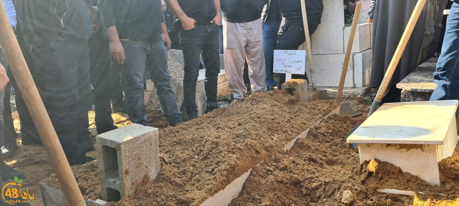 فيديو: جموع غفيرة تُشارك في تشييع جثمان الاعلامي خميس أبو العافية بيافا