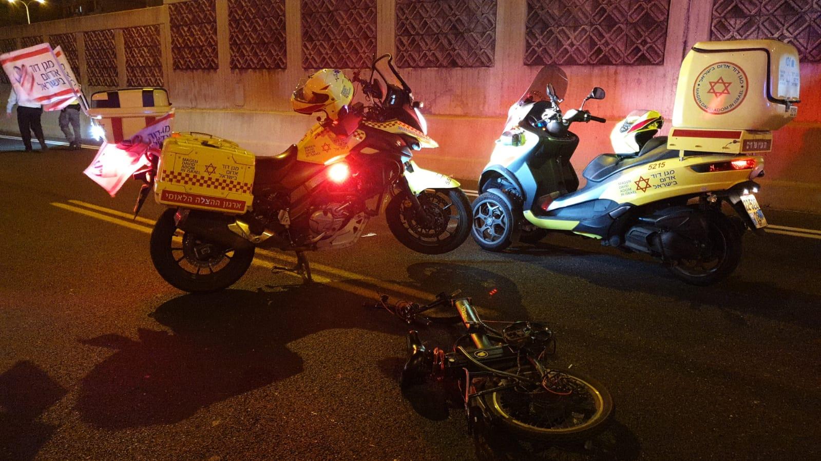 اصابة خطرة لراكب دراجة كهربائية بحادث دهس قرب مفرق فولفسون