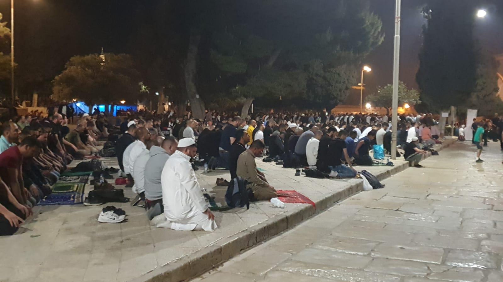 أكثر من 90 ألف مصلٍ أحيوا ليلة القدر في المسجد الأقصى