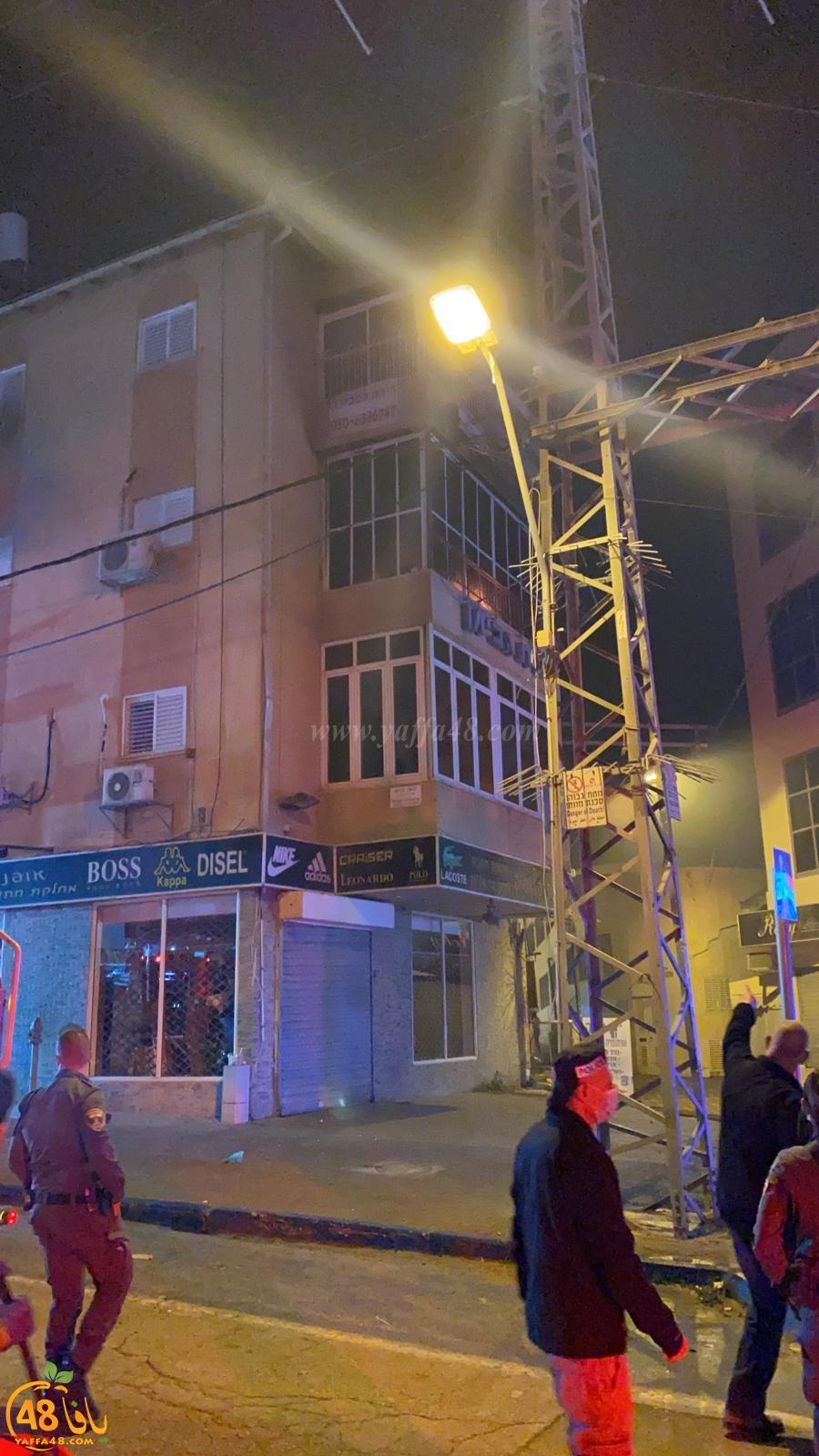 حريق كبير داخل احدى الشقق السكنية في الرملة