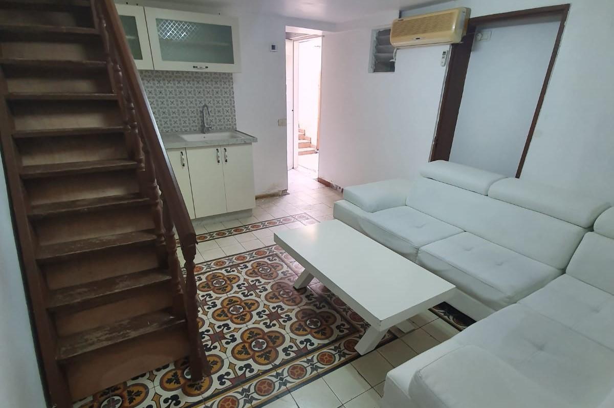 يافا: شقة صغيرة من غرفتين للايجار بحي العجمي