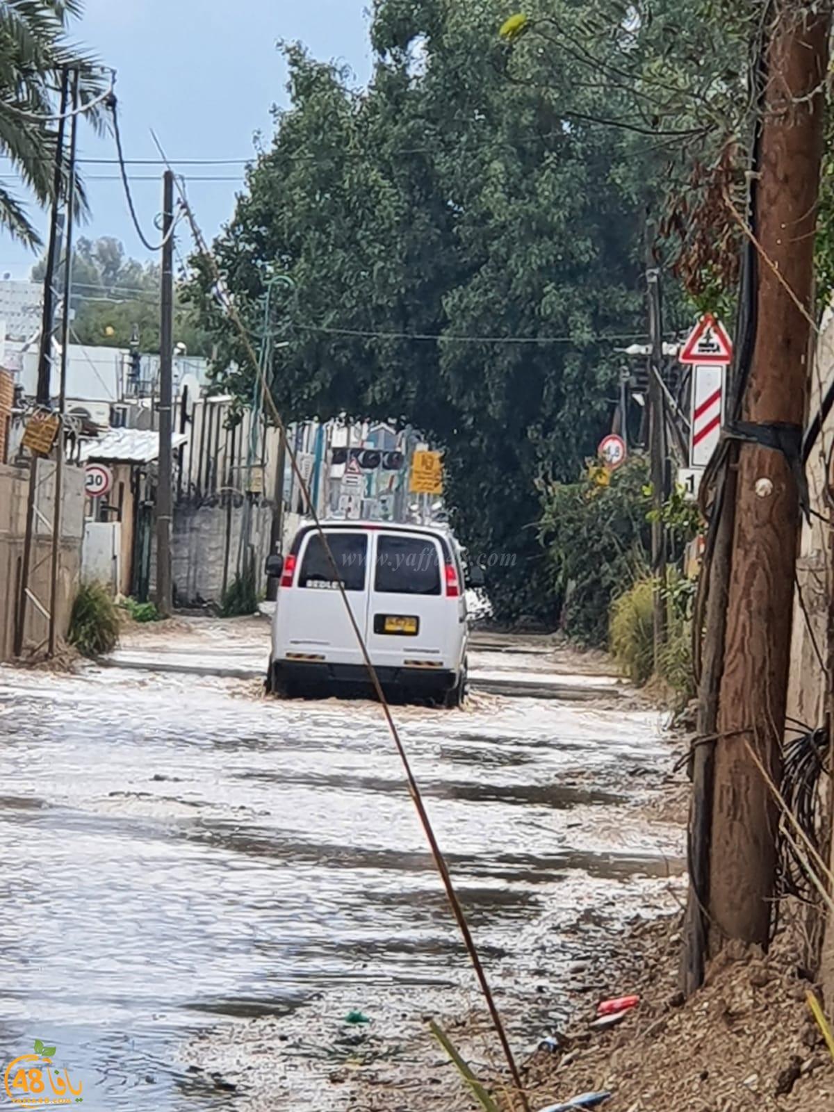 معاناة مستمرة - دهمش تُحاصر بمياه الأمطار وتغرق في اهمال المؤسسات