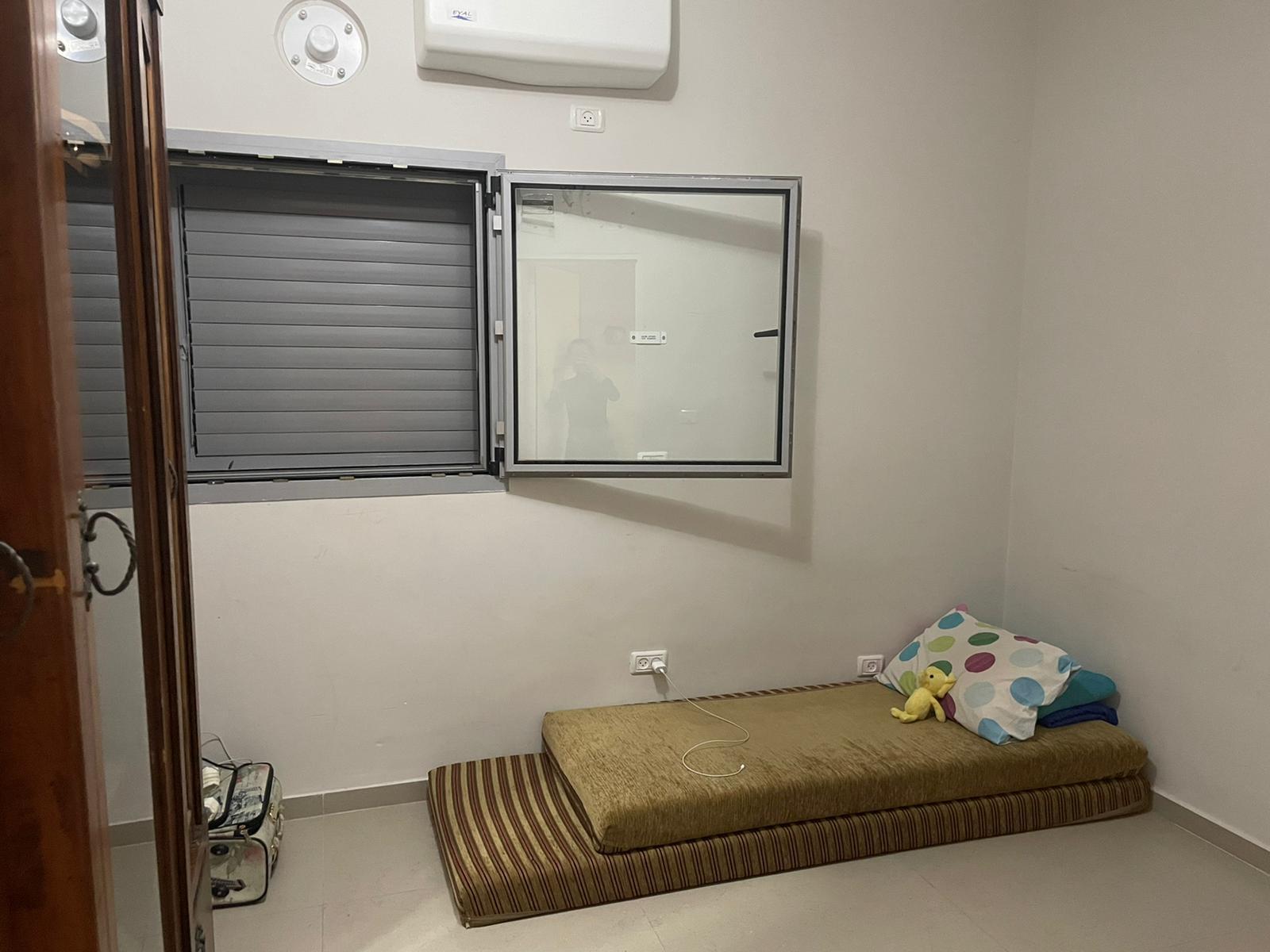 بيت 3 غرف وصالون للبيع في حي العجمي بيافا